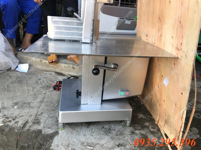 Máy cắt giò heo đông lạnh