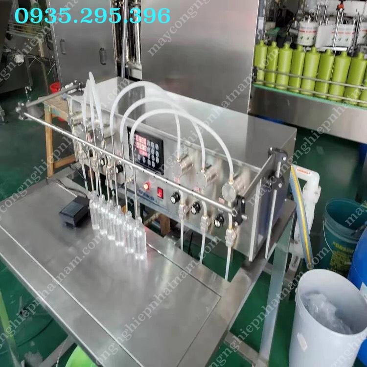 Máy chiết rót 8 vòi bán tự động