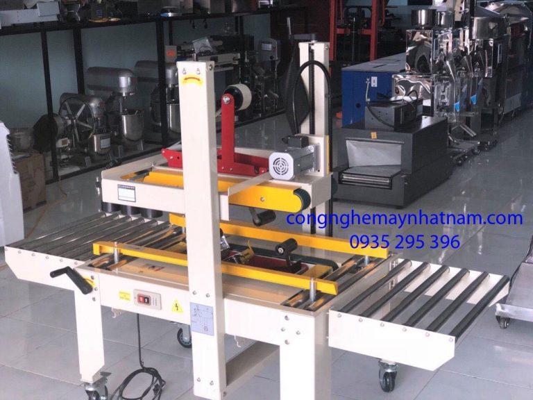 Máy dán băng dính thùng carton FJX-6050