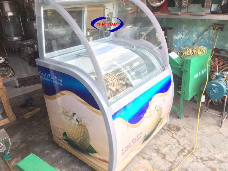 Tủ trưng bày kem